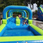 deslizante-con-piscina